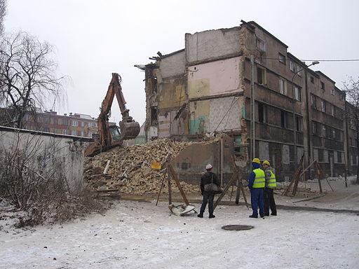 Czy do rozbiórki domu potrzebne jest pozwolenie?