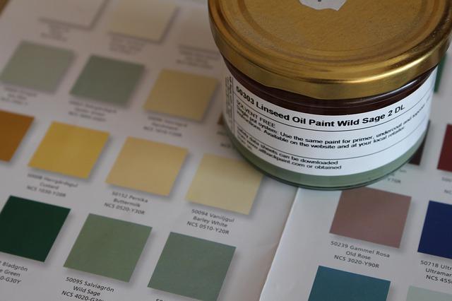 Nakładanie farby do płytek ceramicznych. Jak je dobrze pomalować?