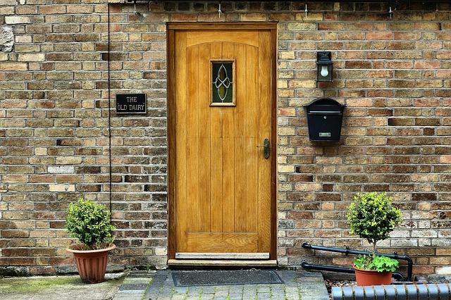 Estetyczne wejście do domu. Jak o to zadbać?