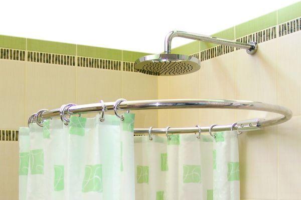 Drążek prysznicowy okrągły, łukowy. Co powinieneś wiedzieć?